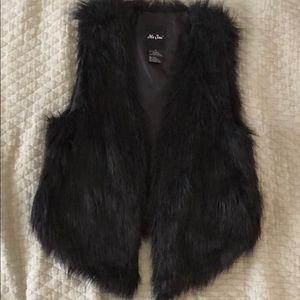 Me Jane black faux fur vest